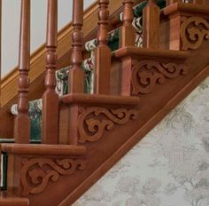 How to choose and buy a new and modern staircase – My Life Spot Wood Columns, Wood Railing, Staircase Railings, Wooden Staircases, Wood Stairs, Staircase Design, Stairways, Staircase Decoration, Stair Moulding