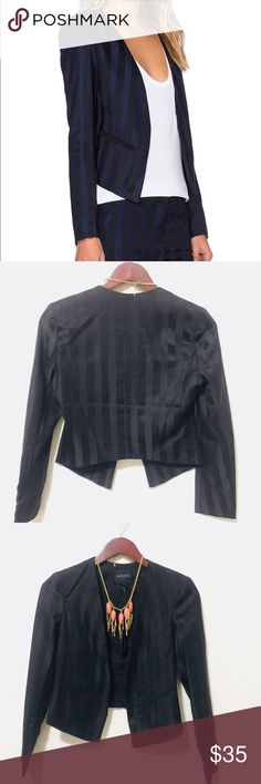 ‼️BOBI BLACK BLACK STRIPED DRAPE BLAZER NWT BOBI BLACK LABEL LINE GORGEOUS SEXY CLASSY BLAZER SO SEXY GOTTA HAVE 😍‼️ SIZE SMALL   •LEN 19 •BUST 17 *MEASUREMENTS ARE APPROXIMATE   ⭕️BUNDLE AND SAVE ON SHIPPING ONE TIME‼️ ⭕️PLEASE ASK ANY QUESTIONS  ⭕️CHECK OUT MY GREAT DEALS NAME BRAND NWT   #GREATDEALFINDS Bobi Jackets & Coats Blazers