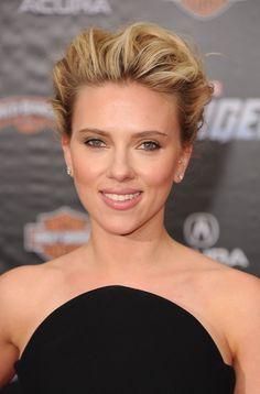Scarlett Johansson Lookbook: Scarlett Johansson wearing Bobby Pinned updo (10 of 69). Scarlett Johansson wore her wavy locks swept up into a sexy voluminous style for the premiere of 'The Avengers.'