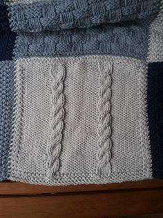 Comme promis, voici un billet décrivant plus ou moins en détail chaque carré réalisé sur la couverture! Pour un tuto très détaillé d'un car... Afghan Blanket, Knitted Blankets, Crochet Motif, Floor Pillows, Needlepoint, Knitting Patterns, Cross Stitch, Crafty, Blog