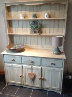 Welsh dresser painted in a Mix of Annie Sloan Old Ochre , French Linen and Old White Dining Room Dresser, Kitchen Dresser, Upcycled Furniture, Shabby Chic Furniture, Diy Furniture, Furniture Design, Cottage Shabby Chic, Shabby Chic Kitchen, Shabby Chic Romantique