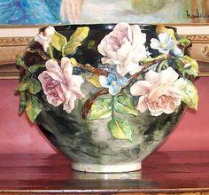 Pottery Painting, Pottery Art, Porcelain Ceramics, Ceramic Art, Orchid Vase, Vase Crafts, Clay Art Projects, Keramik Vase, Art Decor