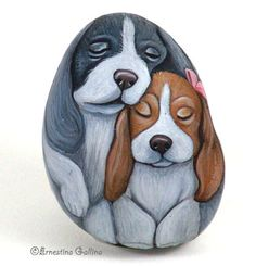 Paint Sammy & Sally on gourd scrap for Marianne .... a pin to wear!