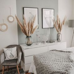 small home remodel Nordic Living Room, Living Room Modern, Living Room Decor, Apartment Interior, Apartment Living, Chic Apartment Decor, Ikea Interior, Nordic Interior, Apartment Therapy