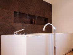 Designerbad - Kombination aus Naturstein und italienischer Badkeramik