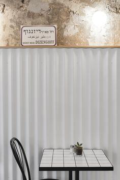 table setting #cafe #whitetiles #corrugated