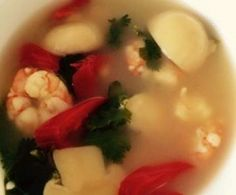 Recipe AUTHENTIC Thai Tom Yum Goong (Spicy Prawn Soup) by Aussie Thermomixer, learn to make this recipe easily in your kitchen machine and discover other Thermomix recipes in Soups. Soup Recipes, Whole Food Recipes, Prawn Soup, Thermomix Soup, Thai Tom, Spicy Prawns, Bellini Recipe, Goong, Fresh Coriander