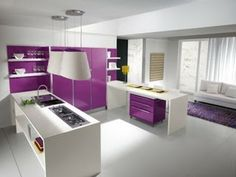 Cocinas color morado italianas modernas