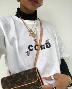 Jeans + T-shirt Daytime Outfit Fashion Killa, Look Fashion, High Fashion, Winter Fashion, Fashion Outfits, Womens Fashion, Fashion Trends, One Direction Shirts, Outfit Look