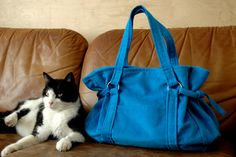 The Trendy Tatanne Bag - Free PDF Sewing Pattern & Instructions by De Zuster Van