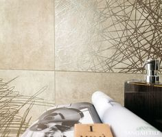 OFFICINE 60x60 /by @mirage_it  자유로운 패턴의 무늬가 인상적인 OFFICINE. 내추럴한 욕실을 더 독특한 분위기로 미기에 적합한 타일입니다^^  #tile #tiles #interior #interiordesign #metallic #Porcelain #porcelaintile #Sangahtile #home #living #bathroom #natural #style #홈 #인테리어 #디자인 #수입타일 #주방 #벽 #바닥 #리빙스타일 #홈데코 #타일 #욕실
