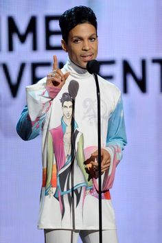 A Look at Prince's Sexy 4-Decade Style Reign: June 27, 2010