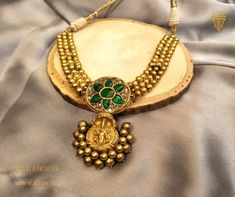 Antique Jewellery Designs, Gold Earrings Designs, Necklace Designs, Antique Jewelry, Real Gold Jewelry, White Gold Jewelry, Gold Jewellery, Indian Wedding Jewelry, India Jewelry