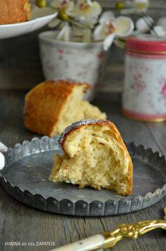 Con Harina en Mis Zapatos: Brioche de Mascarpone Y Recipe, Sweet Bread, Donuts, Delicious Desserts, Recipies, Muffin, Reyes, Cooking, Breakfast