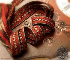 Tablet woven band by Kjell S-e Bull-Sveen Inkle Weaving, Inkle Loom, Card Weaving, Weaving Art, Tablet Weaving Patterns, Finger Weaving, Some Ideas, Color Shapes, Crochet