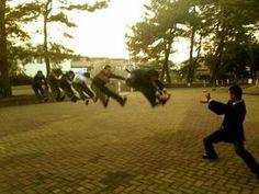 女子高生を中心に「かめはめ波」「マカンコウサッポウ」が流行中!吹っ飛び画像まとめ - NAVER まとめ