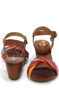 Leather multi-color multi-strap sandal!