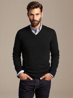 Extra-Fine Merino Wool Vee Pullover Product Image