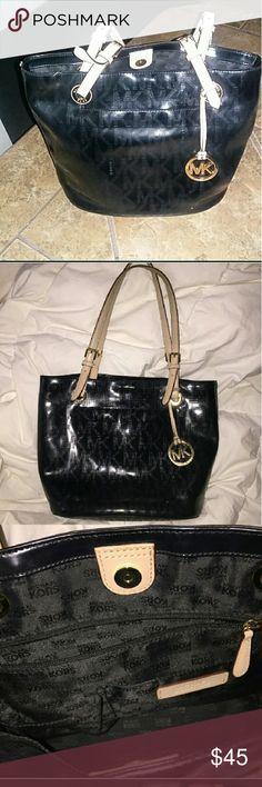 I just added this listing on Poshmark: HR SALE🔥💯Authentic Michael Kors Jet Set. Michael Kors Black, Michael Kors Jet Set, 1 Day Only, Medium Tote, Handbags, Shopping, Things To Sell, Style, Fashion