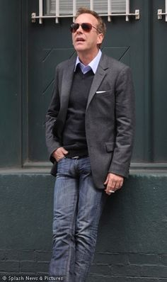 Kiefer Sutherland takes a chill pill in New York.