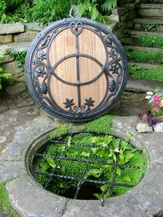 chalice well, Glastonbury England