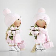 Девчушка на мк 17 сентября👯Продается!Есть пара мест и пара наборов!Все вопросы по мк, наборам, приобретению куклы, стоимости, доставке и т.д. пишем в ватсап +79060742499 и на почту tatianaconne@gmail.com🤗