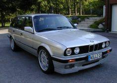 Clean BMW E30 Wagon!