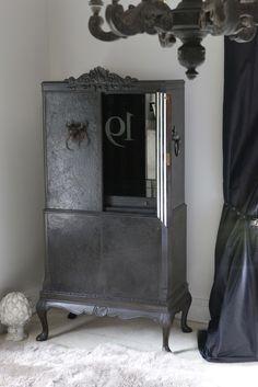Black 4 door drinks cabinet - 'No. 19'