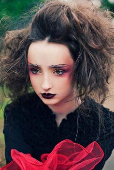 She Speaks in Velvets | Caitlin Worthington #photography | Glittering Heads Dream