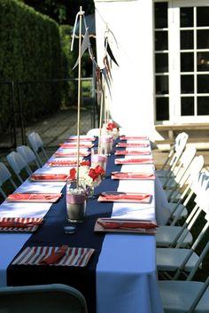 mesa blanca franja azul
