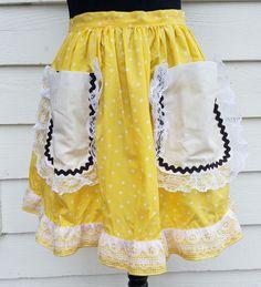 50's Homemaker Retro Vintage Apron Yellow Polka Dot Ruffle Petticoat Lace
