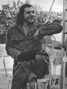 Comandante Ernesto Che Guevara - the Argentine-Cuban guerrilla fighter, revolutionary leader,. Che Guevara Quotes, Che Guevara Images, Fidel Castro, Che Quotes, Ernesto Che Guevara, Frida Art, Jean Paul Sartre, Freedom Fighters, Popular Culture