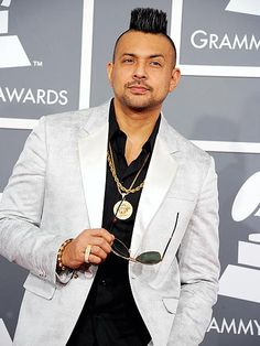 WTF you thinking man? Looks like a grass-patch. Reggae Artists, Music Artists, Beautiful Boys, Beautiful People, Celebrity Crush, Celebrity Style, Grammys 2013, The Lumineers, Sean Paul