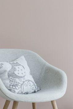 tikkurila_mustaovi_blog_livingroom_pastel_rosa Pink Houses, Studio Apartment, My Dream Home, Interior And Exterior, Home Accessories, Paint Colors, Slippers, Room Decor, Living Room