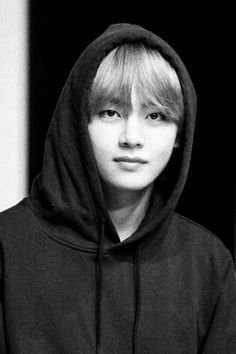 Your first kpop songs? ©to owner Jimin, Bts Bangtan Boy, Bts Boys, Daegu, V Taehyung, Namjoon, Foto Bts, Bts Photo, V Bts Cute