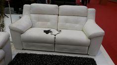 #Sofa #moderno de #cuero blanco de 4 plazas. #mueblesarria