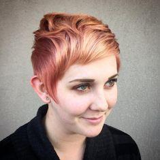 Longue coupe de cheveux pixie sur mèches rouges ombrées 1
