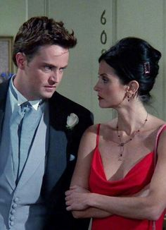 Chandler Bing and Monica Geller Friends Tv Show, Friends 1994, Monica Friends, Serie Friends, Friends Moments, Friends Forever, Best Friends, Chandler Bing, Monica E Chandler