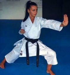 Wkf Karate, Shotokan Karate, Karate Girl, Indian Martial Arts, Martial Arts Women, Kyokushin, Female Martial Artists, Flexibility Training, Fitness Motivation Pictures