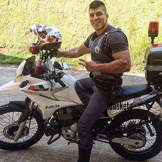 """""""Sonha e serás livre de espírito... luta e serás livre na vida."""" 💀👊🏼 #pmesp #policiamilitar #policiabrasileira #pm #police #cop #skull #caveira #musketo #guerreiro 👮🏻💪🏼"""