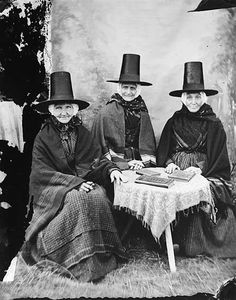 Welsh Women, c.1871 Source: Llyfrgell Genedlaethol Cymru/The National Library of Wales (flickr)