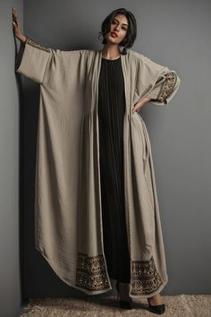 Abaya Fashion, Muslim Fashion, Modest Fashion, Fashion Dresses, Mode Abaya, Mode Hijab, Mode Kimono, Abaya Designs, Designer Dresses