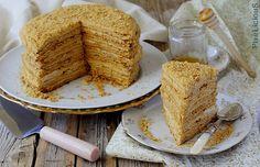 Medovik: Torta Russa al Miele Star Chef, Bakery Cakes, Banana Bread, French Toast, Breakfast, Sweet, Desserts, Food, Cream