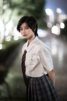 Beautiful Women, Kawaii, Poses, Inspiration, Beauty, Twitter, Oriental, Portrait, Women