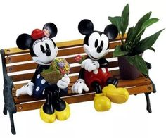 Mickey Mouse garden decor is the perfect addition to any garden. Peek out your kitchen window and watch your Mickey Mouse gnome seem to come alive among your rose or vegetable. Mickey Mouse Toys, Mickey Mouse Decorations, Mickey Mouse And Friends, Disney Mickey Mouse, Casa Disney, Disney Rooms, Disney House, Disney Home Decor, Disney Crafts