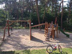 En Milovice hay muchas patios de recreos