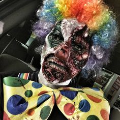 Check it out! Mens Clown Costume, Zombie Halloween Costumes, Halloween Carnival, Carnival Costumes, Halloween Masks, Halloween Face Makeup, Halloween House, Zombie Makeup, Clown Makeup