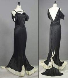 1930 -luvulla Coco Chanel oli uransa huipull ja hänen mallistonsa saivat suosiota. -Chanel 1935-
