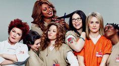 Atrizes Natasha Lyonne, Uzo Aduba e Samira Wiley participam da Parada Gayde 2015 Falta menos de um mês para o lançamento da nova temporada do seriado Orange Is The New Black, uma produção original…