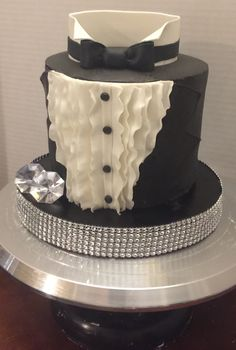 Beautiful Cakes, Amazing Cakes, Fondant Cakes, Cupcake Cakes, Drippy Cakes, Tuxedo Cake, Birthday Cakes For Men, Wedding Sweets, Sweets Cake